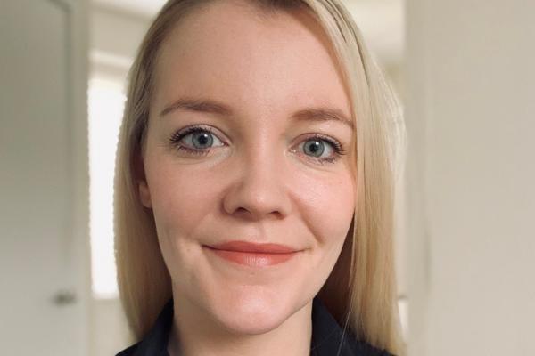 Head shot photo of Sarah Warden